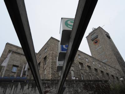 Die Gegner von Stuttgart 21 befürchten Mehrkosten von 500 Millionen bis zu einer Milliarde Euro.