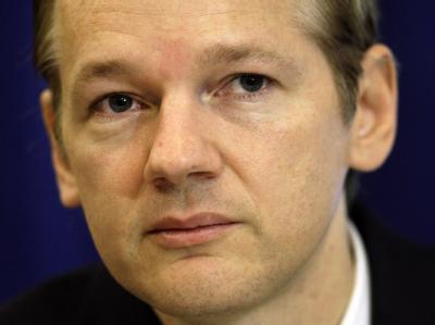 Der Gründer von Wikileaks Julian Assange bei einer Pressekonferenz in London (Aufnahme vom 23.10.2010).