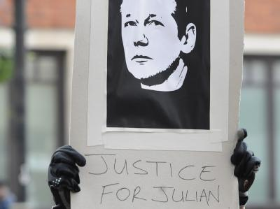 Solidarit�t mit Julian Assange