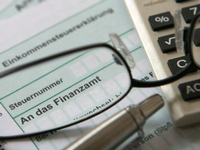 Ein Großteil der Steuervereinfachungen soll offenbar erst später wirksam werden.