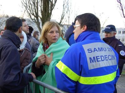 Glimpflicher Ausgang: Der Geiselnehmer im französischen Besançon hat alle fünf Kinder und die Kindergärtnerin freigelassen.