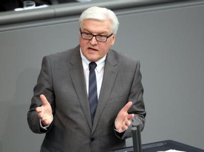 SPD-Fraktions-Chef Steinmeier will, dass die Hilfen für Kinder aus Hartz-IV-Familien den Kommunen direkt überwiesen werden.
