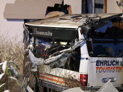 Bei dem tragischen Unfall im Spessart kamen zwei Menschen ums Leben.