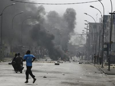 Am Donnerstag versuchten Demonstranten in Abidjan den staatlichen Fernsehsender zu besetzen. Sicherheitsleute setzten Schusswaffen ein.