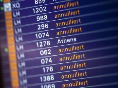 Noch immer müssen zahlreiche Flüge am Flughafen von Frankfurt am Main annulliert werden.