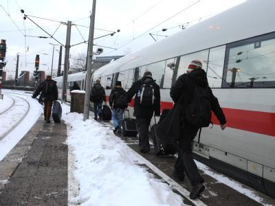 Die Bahn hatte wegen des Winterwetters mit massiven Problemen zu kämpfen.