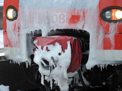 Bahn kämpft mit dem Schnee
