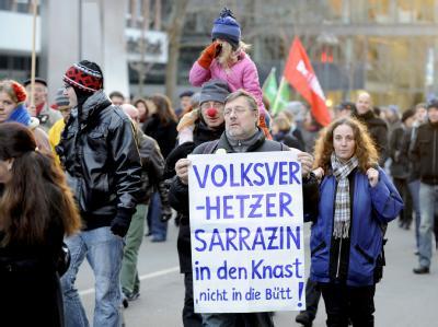 Sarrazin-Gegner protestieren gegen Auftritt
