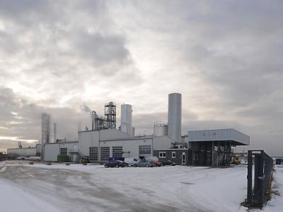 Das Gelände der Petrotec AG in Emden zeigt die Biodiesel-Anlage in Betrieb.