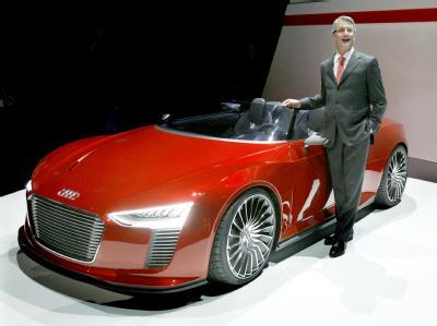 Nicht unbedingt ein umweltschonender Volks-Wagen:Audi e-tron Spyder.