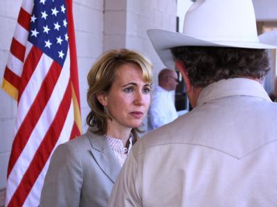 Ein Attentäter hat der demokratischen Kongessabgeordneten Gabrielle Giffords (Archivbild) in den Kopf geschossen. Sie überlebte schwer verletzt.