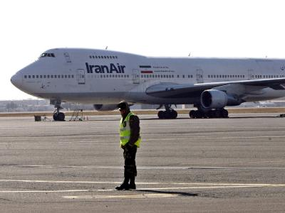 Passagierflugzeug von Air Iran (Symbolbild). Eine Maschine der staatlichen Fluglinie musste ist notlanden, mindestens 18 Menschen starben.