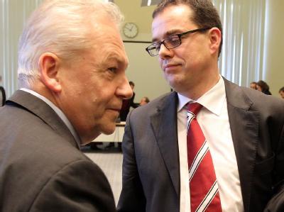 Bahnchef Rüdiger Grube (l) und S-Bahn-Geschäftsführer Peter Buchner.