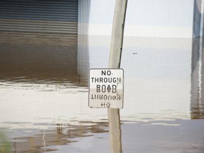 Hier geht nichts mehr: Brisbane steht im Wasser.