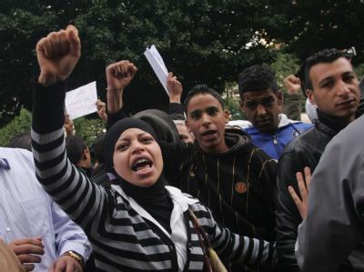 Der Protest geht weiter: In Tunis fordern die Demonstranten den sofortigen Rücktritt von Präsident Ben Ali.