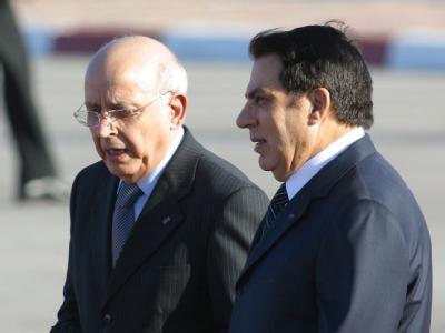 Tunesiens Ex-Präsident Ben Ali (r.) mit seinem Premierminister Mohammed Ghannouchi.