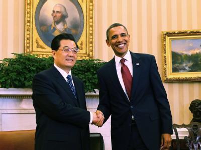 Handschlag im Oval Office: US-President Barack Obama (r) und sein chinesischer Amtskollege Hu Jintao.