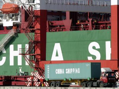 Containerterminal in Shanghai: Der chinesische Handelsüberschuss zählt schon lange zu den ungelösten Probleme der Weltwirtschaft.