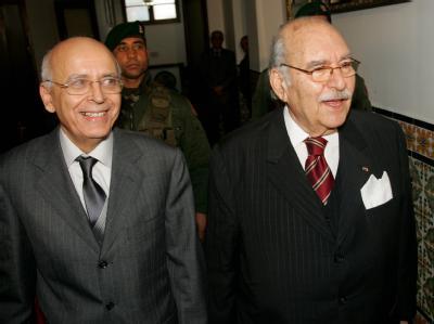 Tunesiens Übergangspräsident Foued Mebazaa (r) und Ministerpräsident Mohammed Ghannouchi. Für politische Häftlinge soll es eine Generalamnestie geben.