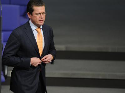 Verteidigungsminister Karl-Theodor zu Guttenberg im Bundestag.