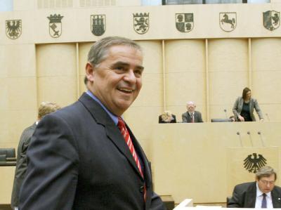 Nun ist es öffentlich: Saarland-Ministerpräsident Peter Müller zieht sich aus der Politik zurück.