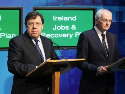 Irlands Premierminister Brian Cowen und der Umweltminister und Grünen-Parteichef John Gormley (r) hier noch für eine gemeinsame Sache.