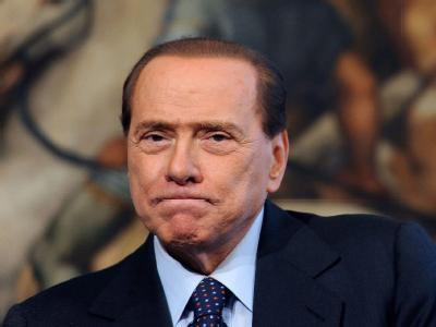 Silvio Berlusconi regiert Italien immer noch, scheinbar unantastbar.
