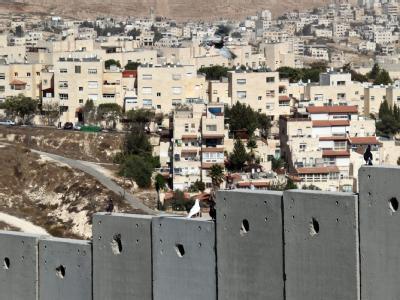 Siedlung und Grenzmauer in Jerusalem