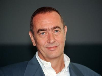 Der Filmproduzent Bernd Eichinger ist mit 61 Jahren überraschend gestorben. (Archivbild vom 06.09.1999)