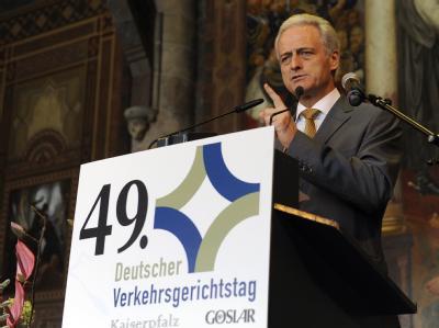 Bundesverkehrsminister Ramsauer am Donnerstag bei der Eröffnung des 49. Verkehrsgerichtstags in Goslar.