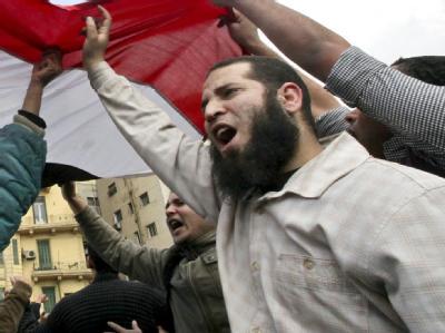 Ein Demonstrant in den Straßen von Kairo.