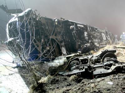 Ein Nahverkehrszug ist bei Hordorf ungebremst mit einem Güterzug zusammengestoßen.