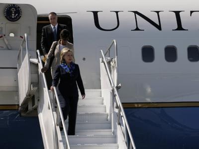 US-Außenministerin Clinton bei ihrer Ankunft in Haiti.