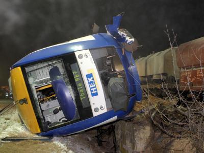 Der Harz-Elbe-Express (HEX) war mit rund 30 Fahrgästen besetzt, als das Unglück geschah.