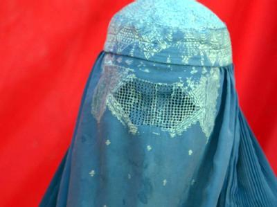 Als erstes Bundesland hat Hessen ein Burka-Verbot im öffentlichen Dienst erlassen.