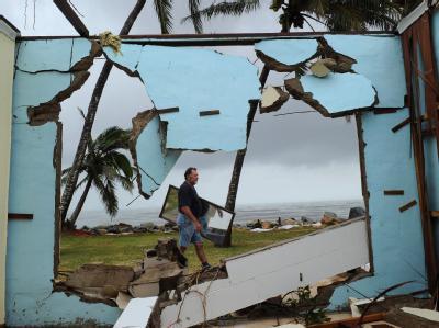 «Yasi» war als tropischer Zyklon der höchsten Kategorie 5 bei Cairns auf Nordaustralien getroffen und hatte dort eine Schneise der Verwüstung hinterlassen.