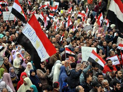 Ägyptens Opposition hält an ihrer Forderung nach einem Rücktritt Mubaraks fest.