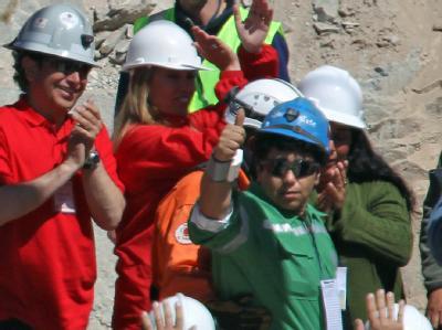 Victor Zamora wird als 14. der 33 eingeschlossenen Bergleute gerettet (Archivfoto vom 13.10.2010).