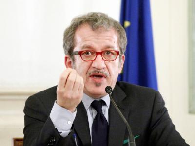 Der italienische Innenminister Roberto Maroni spricht in Rom vor Presse-Vertretern.