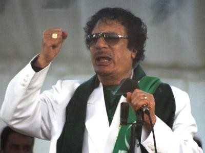 Libyens Staatschef Gaddafi: Nach den Volksaufständen in Tunesien und Ägypten regt sich auch in Libyen Protest. Im ganzen Land wollen Oppositionelle gegen das herrschende Regime auf die Straßen gehen.