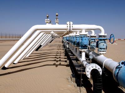 Das Verteilerkreuz einer Ölleitung auf dem Ölfeld As Sarah in Libyen. (Archivbild)