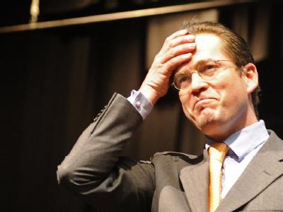 Verteidigungsminister Karl-Theodor zu Guttenberg am vergangenen Montag beim Valentinstreffen der hessischen CDU in Kelkheim.