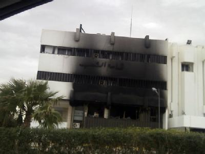 Ein ausgebranntes Gebäude in Tripolis.