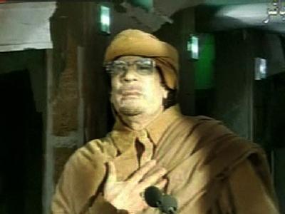 Der libysche Staatschef Muammar al-Gaddafi bei seiner Fernsehansprache.