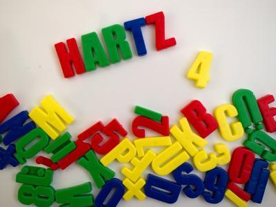 Nach mehr als achtwöchigem Streit nahm am Freitag die Hartz-IV-Reform die letzte Hürde.