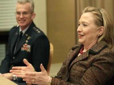 US-Außenministerin Hillary Clinton will in Genf das weitere Vorgehen der internationalen Gemeinschaft in der Libyen-Krise abstimmen.