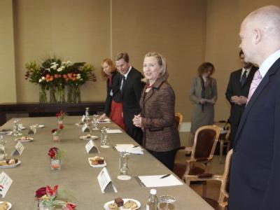 Am Rande des Treffen des Menschenrechtsrats in Genf beraten Außenminister Guido Westerwelle, US-Außenministerin Hillary Clinton und deren russischer Kollege Sergej Lawrow.