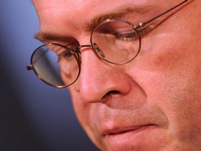 Guttenberg tritt zur�ck