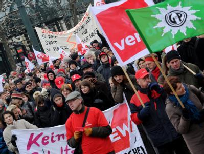 Auch in Sachsen, Sachsen-Anhalt und Thüringen haben Gewerkschaftsvertreter erneut zu Warnstreiks aufgerufen.