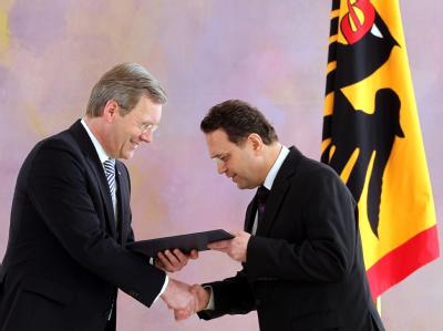 Wulff ernennt Friedrich zum Bundesinnenminister